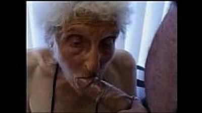 Очень старая бабушка по-прежнему любит трахаться » Инцест порно ...