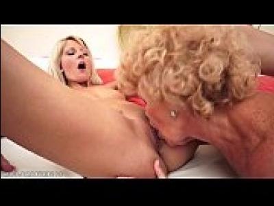 Русское Порно Бабушки И Внучки Лезбиянки